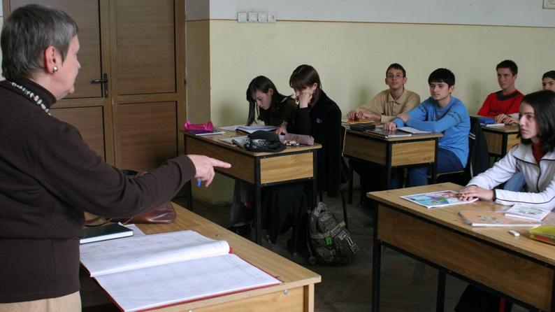 Peste 700 de profesori din Gorj se bat pentru 30 de posturi laTitularizare