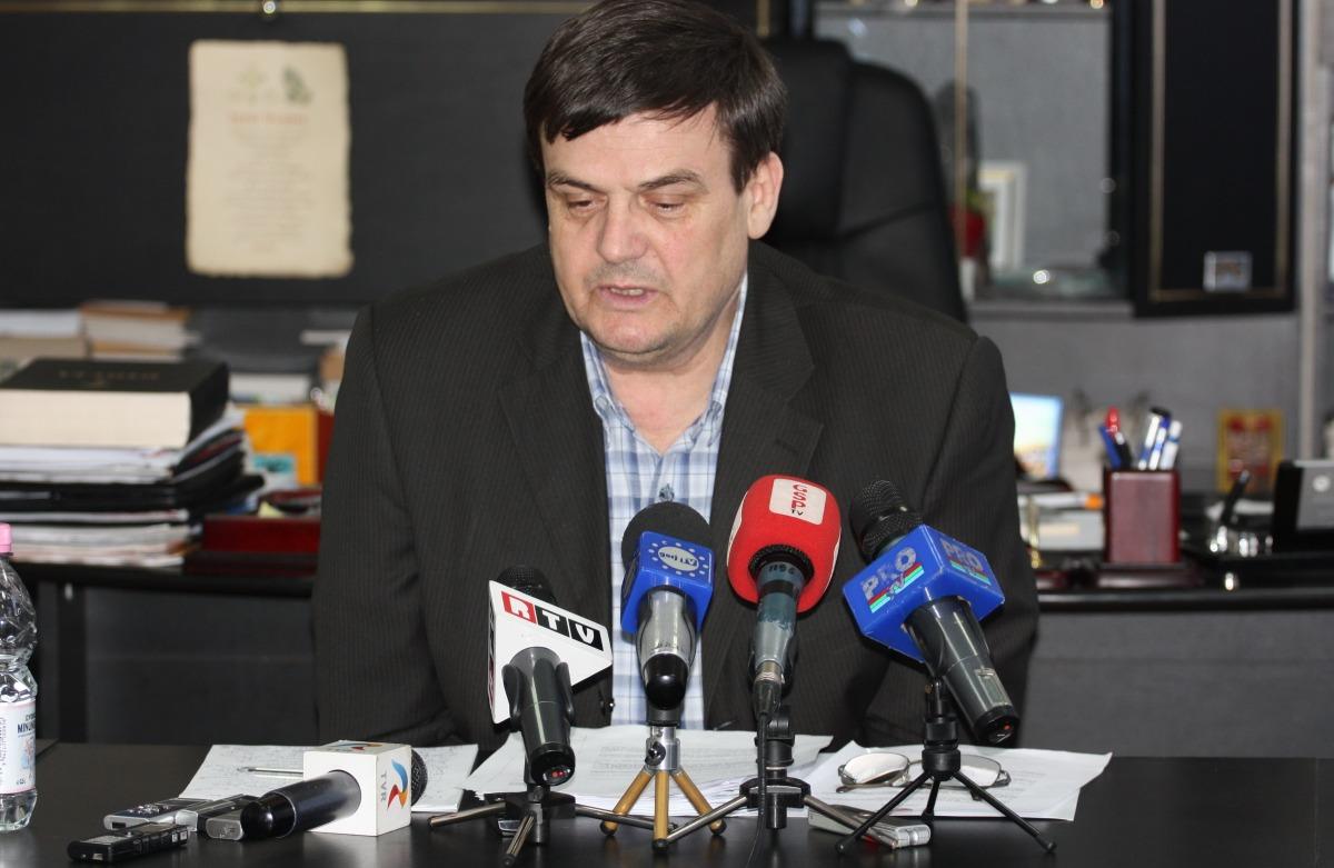 Marin Condescu încearcă să reziste atacurilor incompatibilului IonCălinoiu