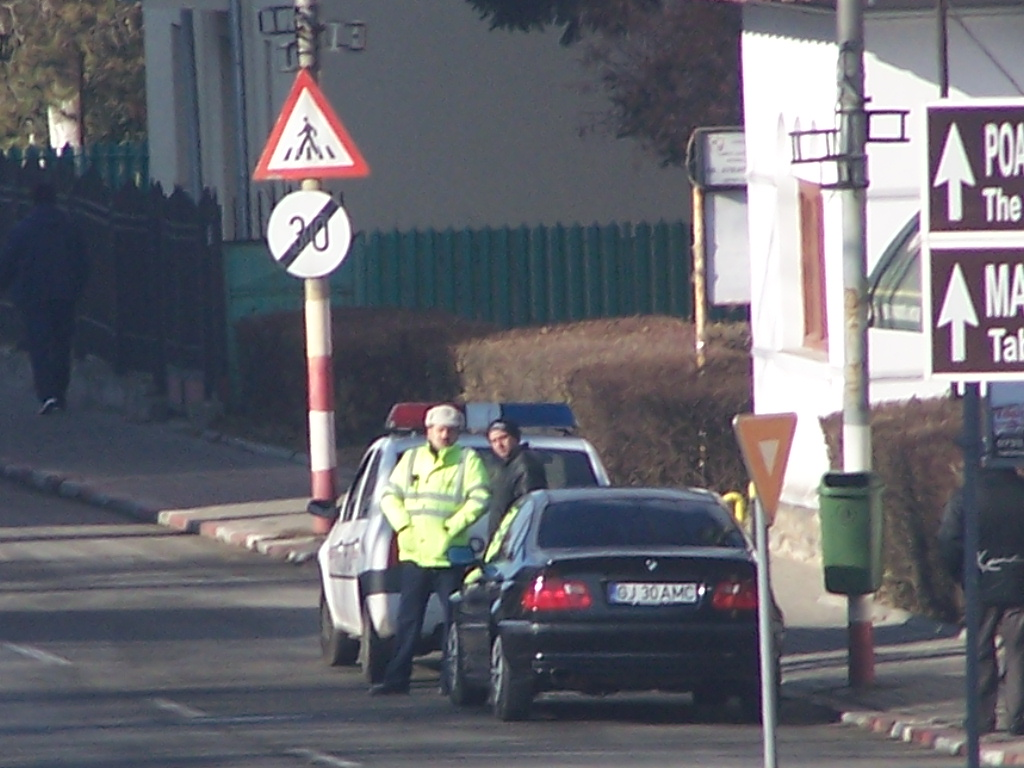 Doar 300 de polițiști în stradă de Paști în județulGorj