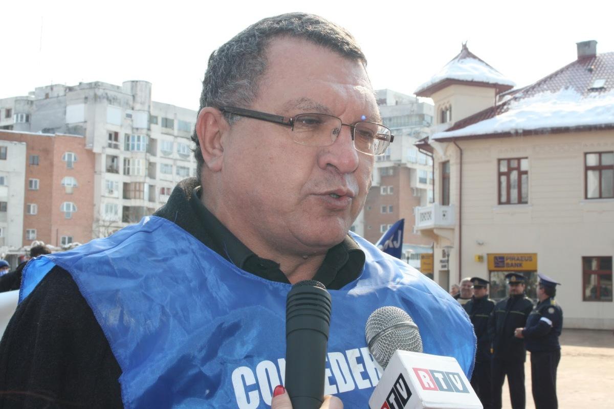 Constantin Creţan tras pe linie moartă înUnivers