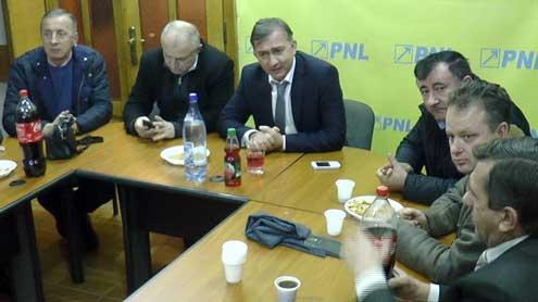 Pentru că nu lasă filiala pe mâna pedeliștilor, Dian Popescu reclamat la KlausIohannis