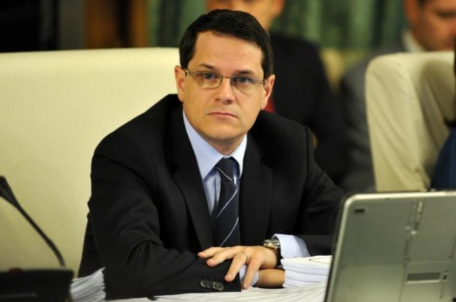 """ȘOCANT""""Premierul de la Grivco"""" reuşeşte să nominalizeze pentru şefia SRI un om al luiVoiculescu"""