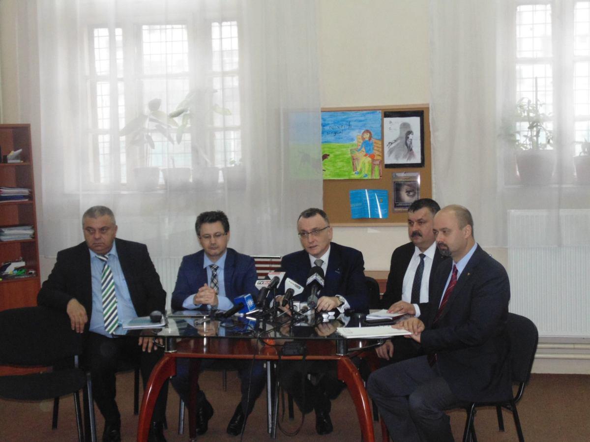 Ministrul Educației tăvălit la Gorj pe chestiunivechi